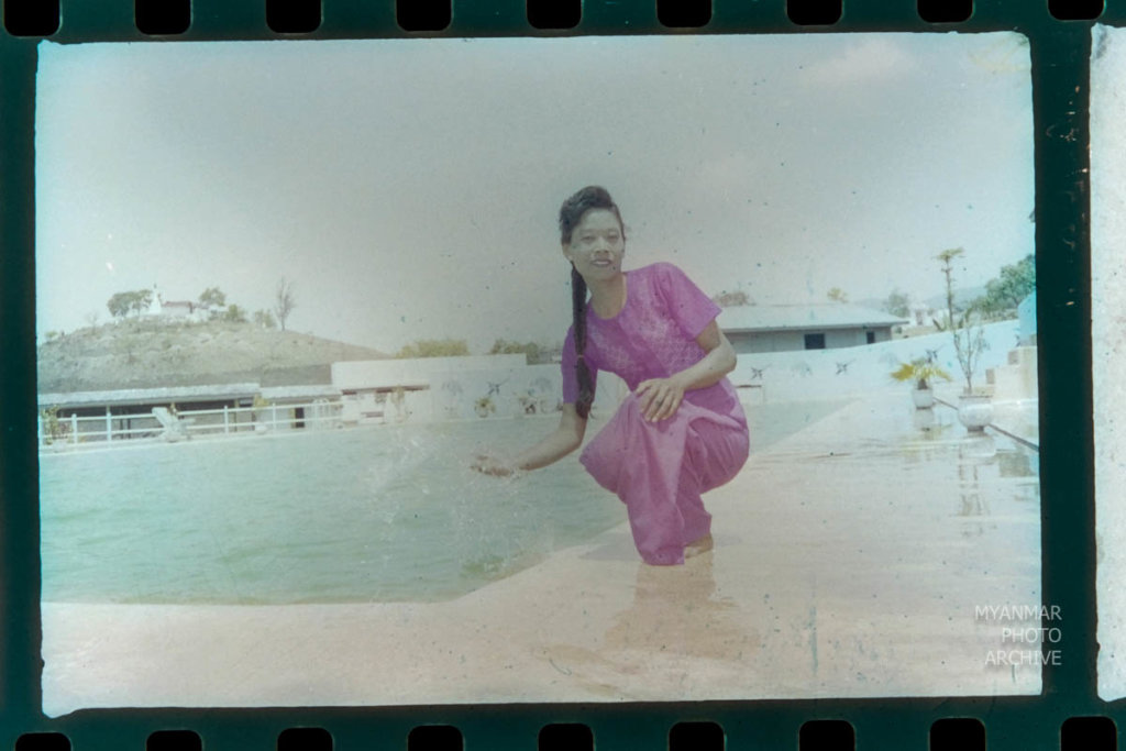 1990s, 1991, U Aung San, portraits, poses, shan state, taunggyi, village studio, တောင်ကြီး, ရှမ်းပြည်နယ်